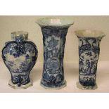 Drei Vasen. Delfter Fayencen, 18./19.