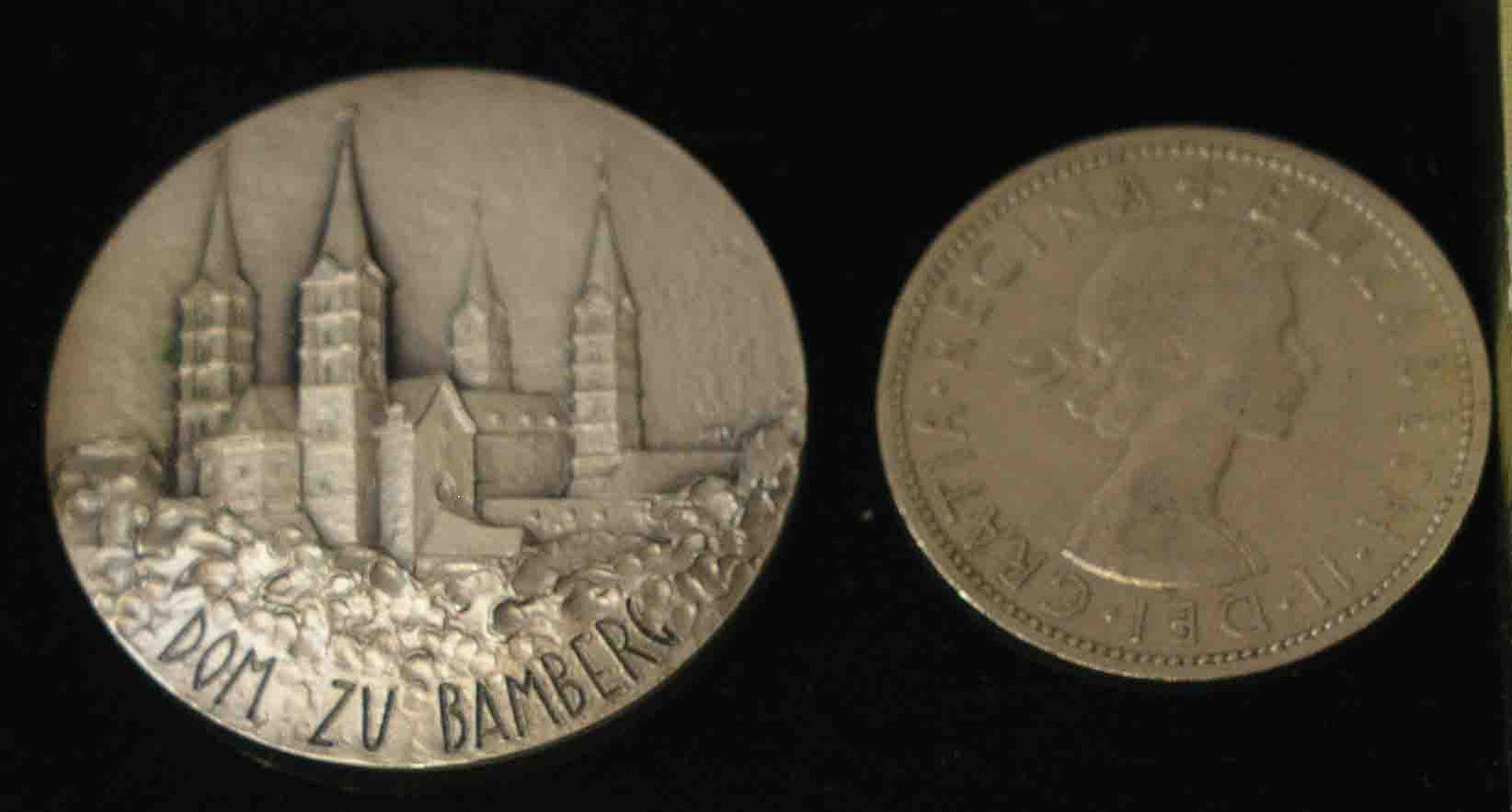 """Medaille """"Hl. Kunigunde und der Dom zu"""