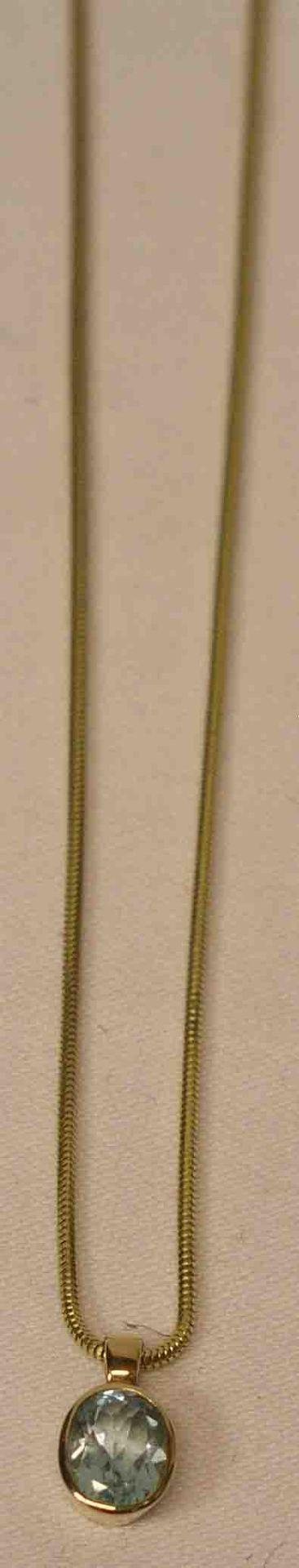 Halskette, Gelbgold mit Anhänger, 14