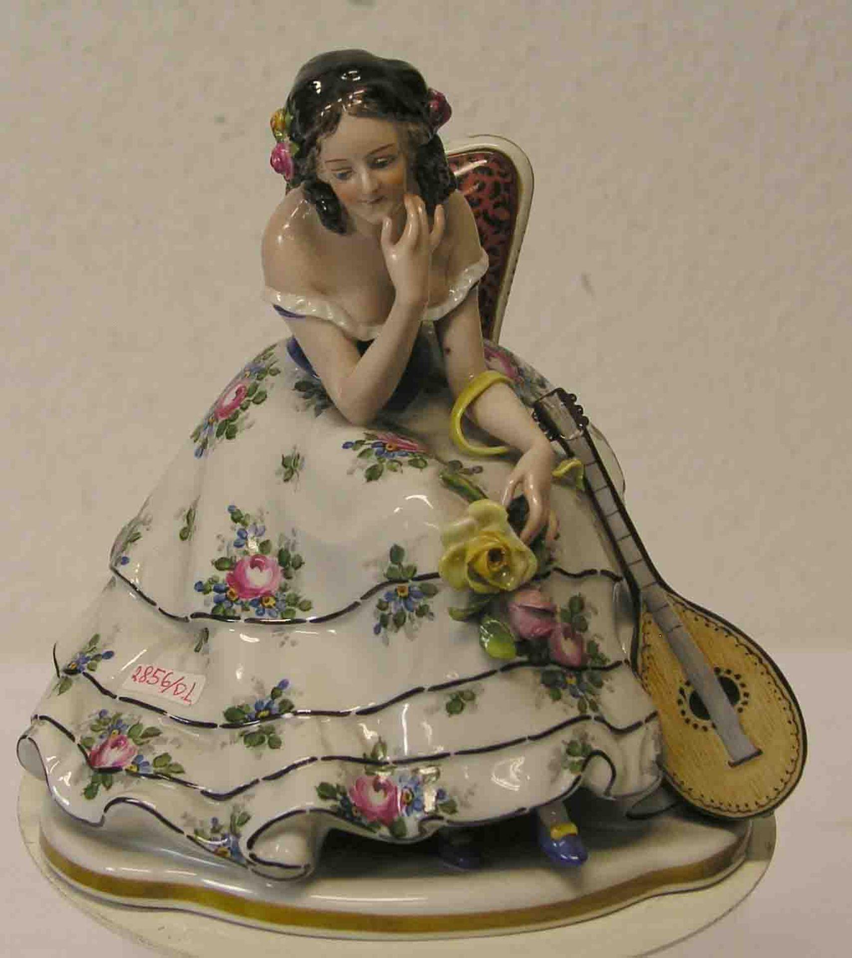 Sitzende Dame mit Mandoline.