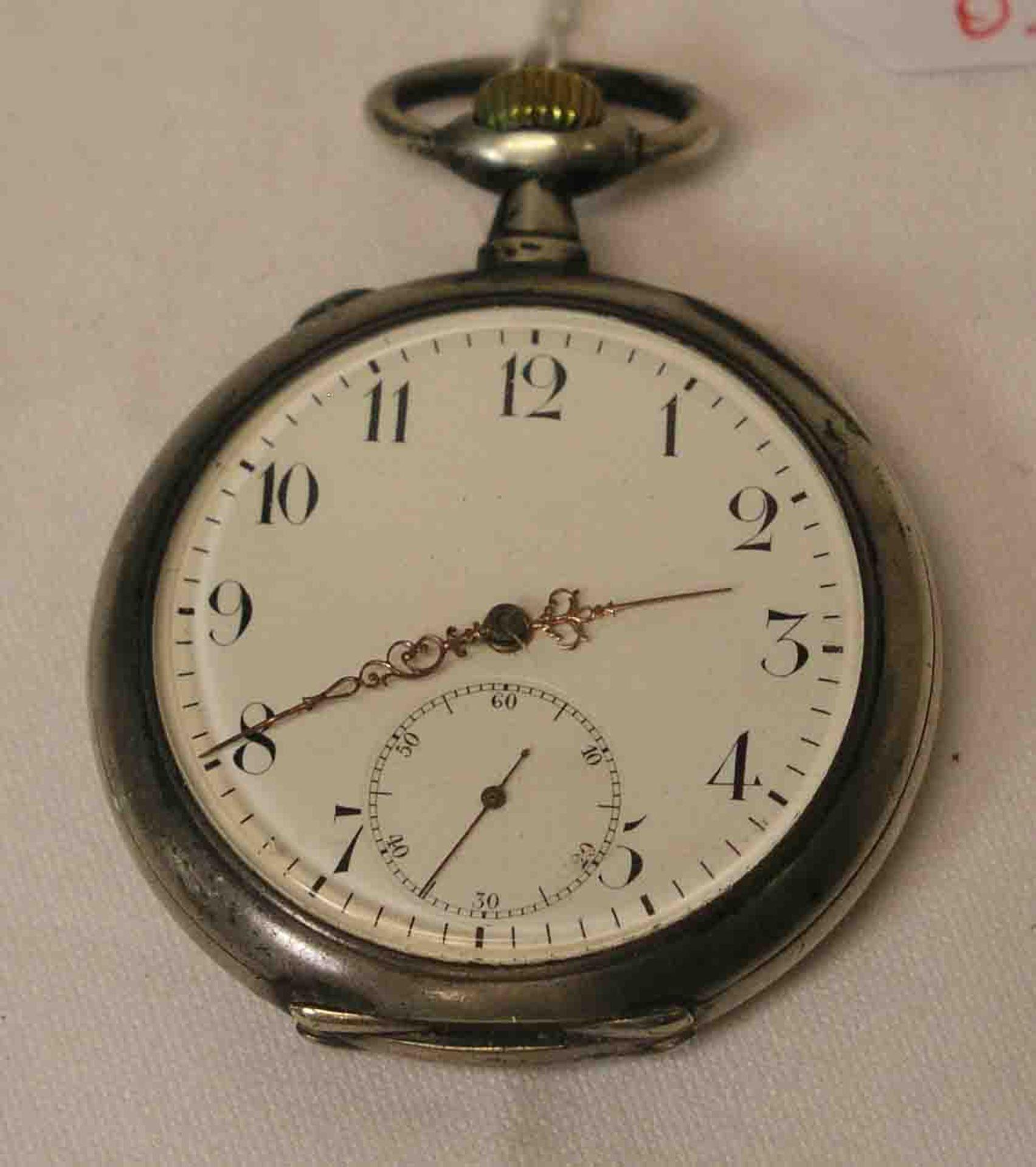 Taschenuhr um 1900. Silbergehäuse.