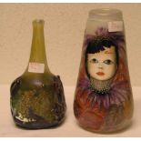 Zwei Designer - Vasen. Zum Teil