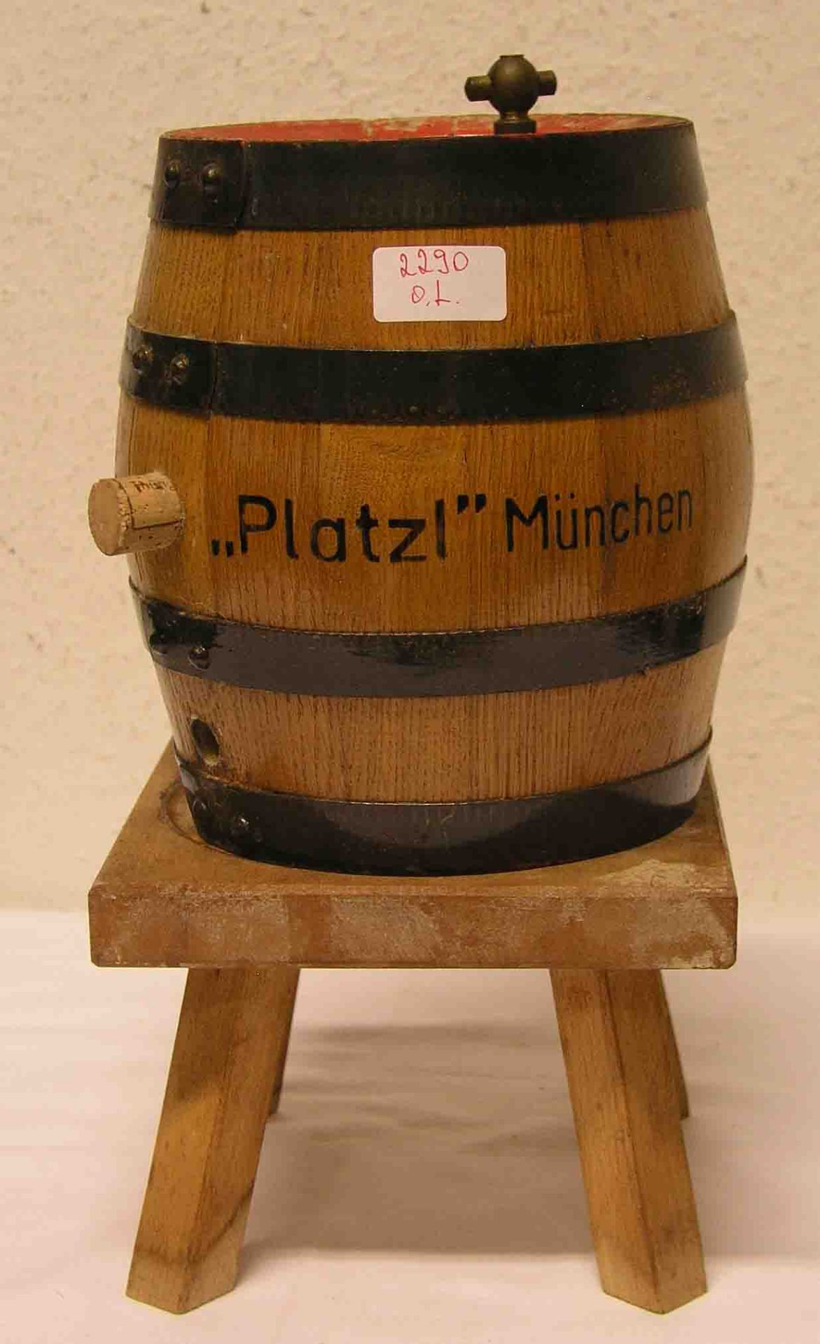 "Holzfass ""Platzl"" München. Höhe: 22cm."