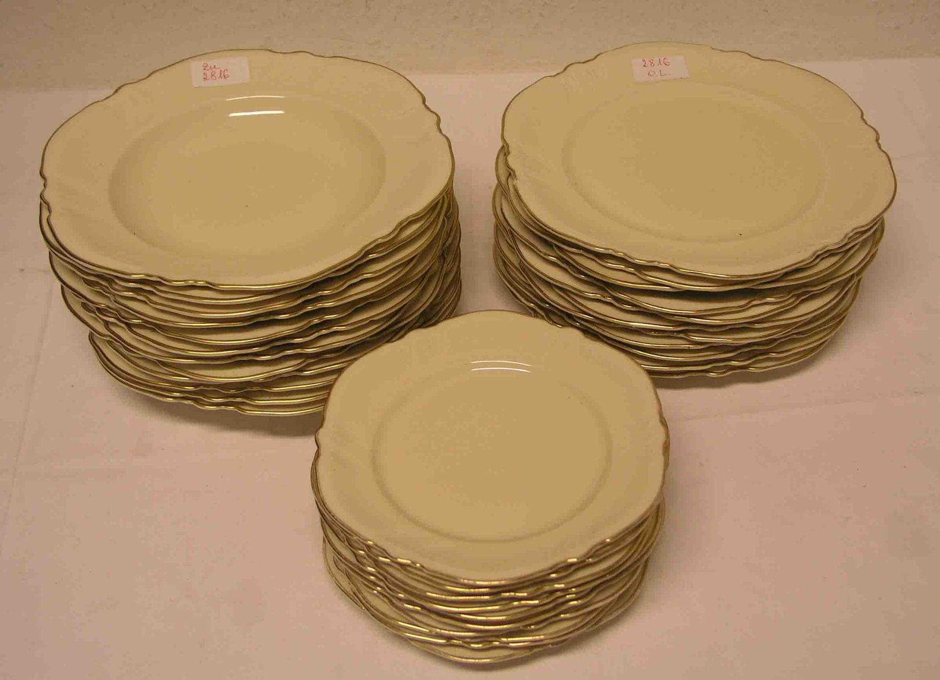 Porzellan-Geschirr für 10 Personen