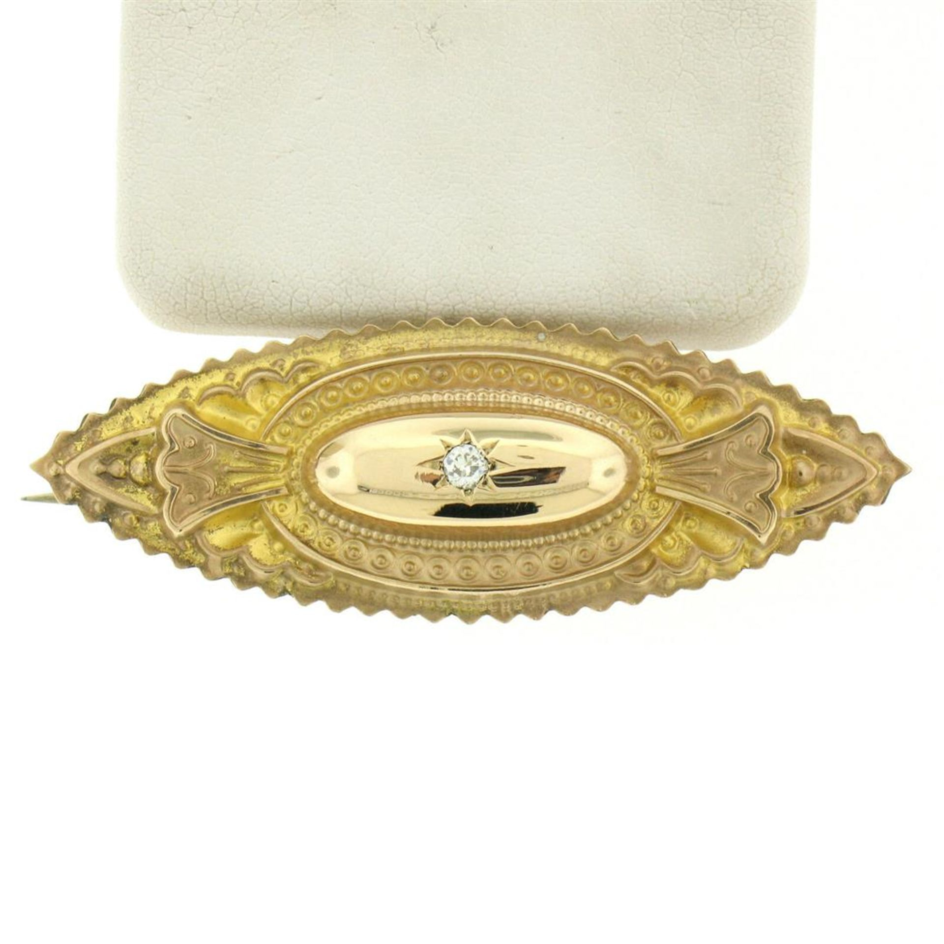 9k Yellow Gold .10 ctw Diamond Marquise Shaped Etched Brooch Pin - Image 3 of 9