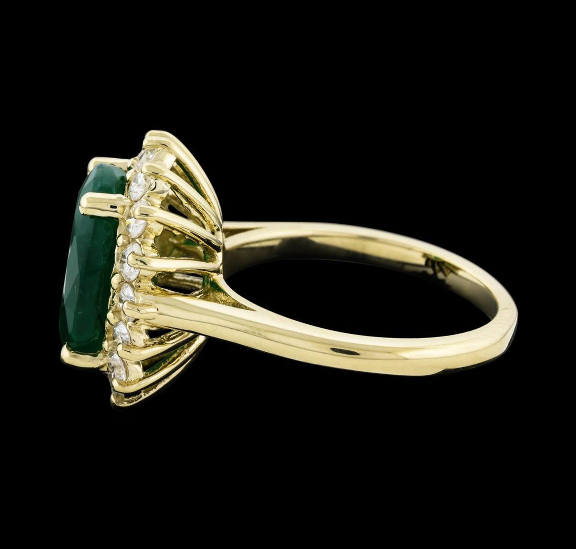 4.52 ctw Emerald and Diamond Ring - 14KT Yellow Gold - Image 3 of 5