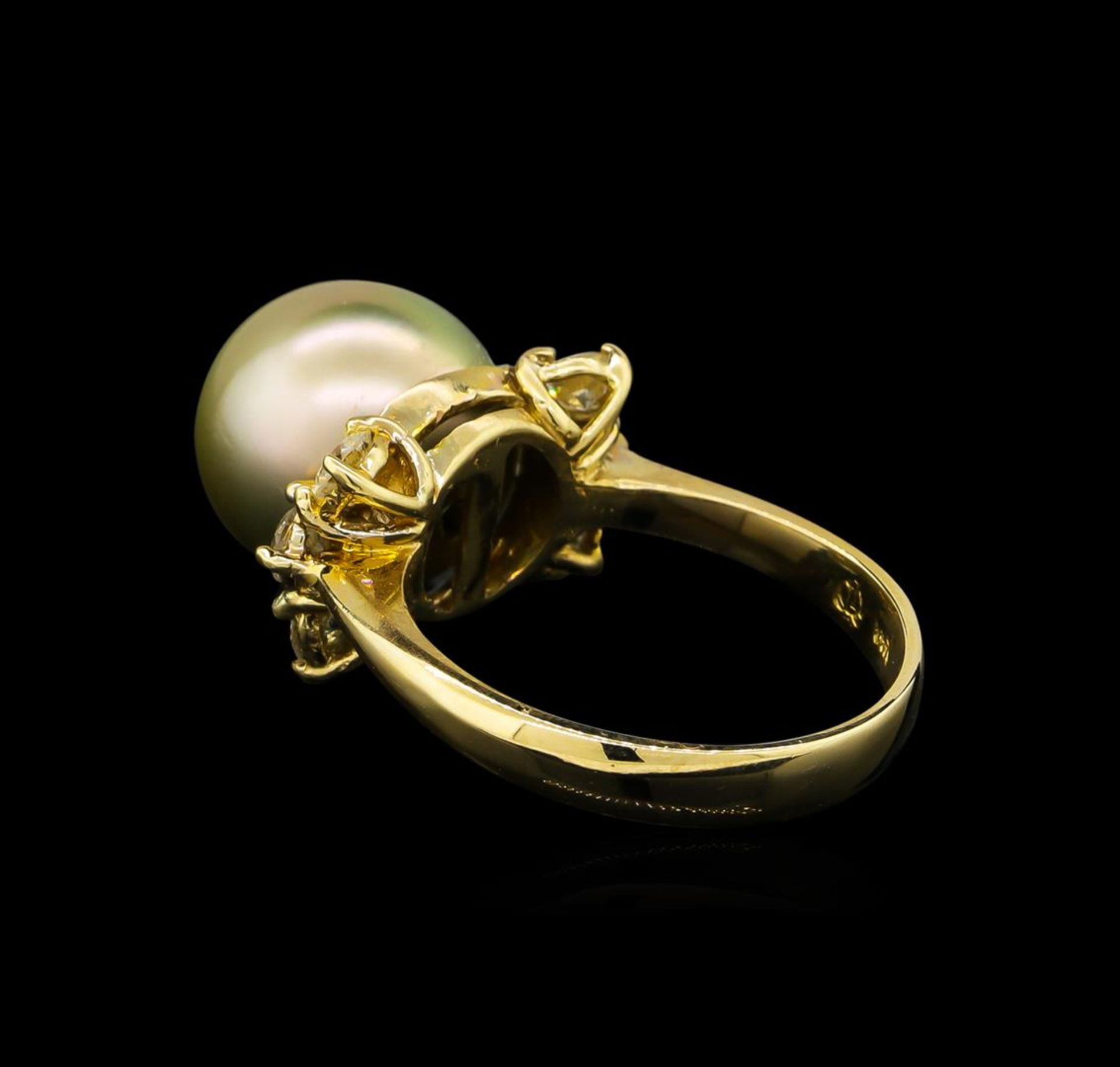 0.66 ctw Pearl and Diamond Ring - 14KT Yellow Gold - Image 3 of 4