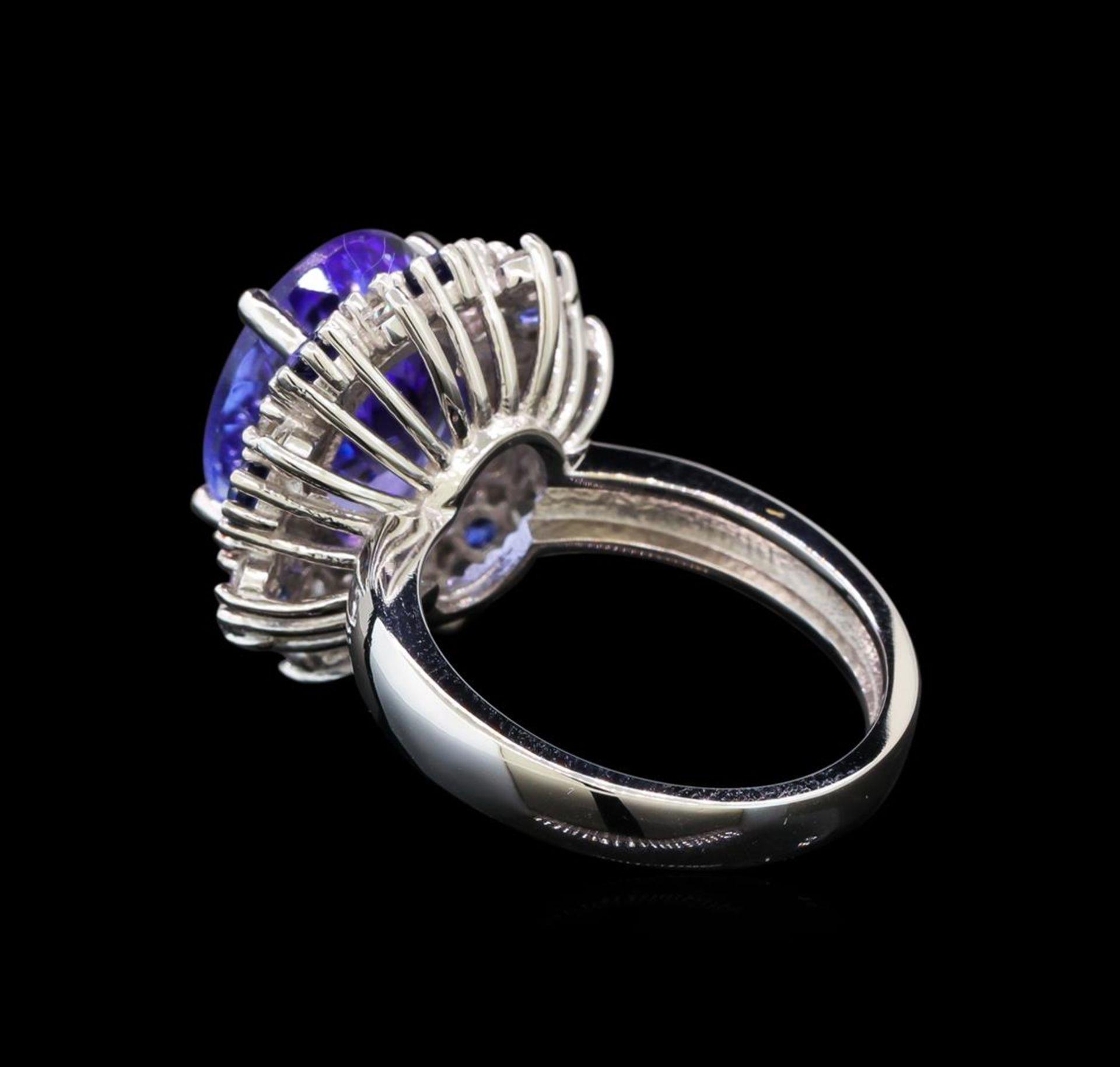 14KT White Gold 6.56 ctw Tanzanite, Sapphire and Diamond Ring - Image 3 of 5