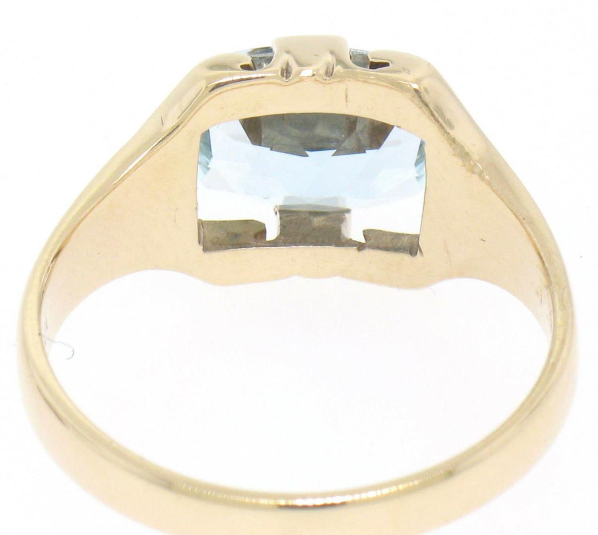 10k Gold Cushion Cut Horizontal Aquamarine Solitaire Ladies Ring - Image 4 of 4