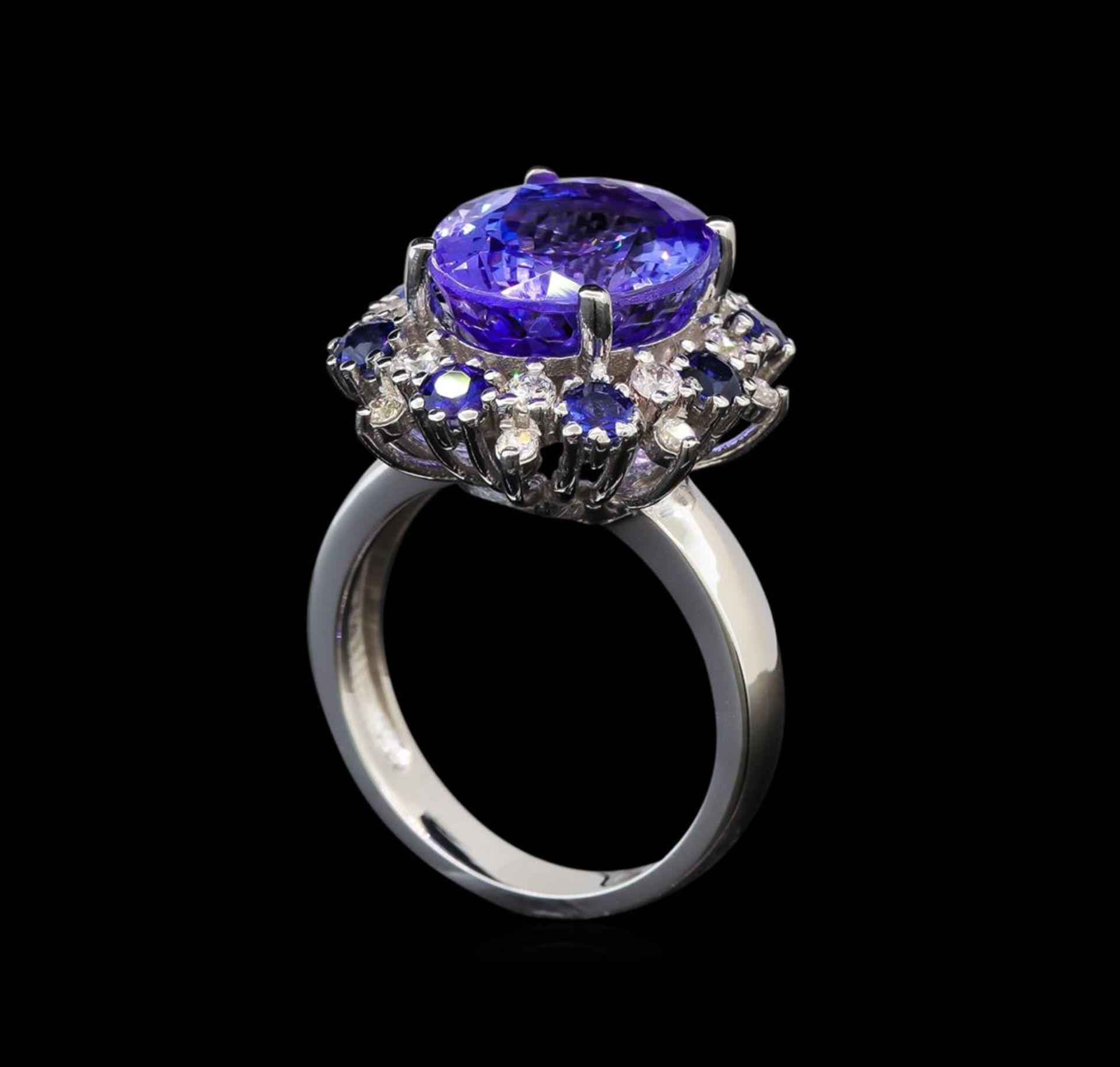 14KT White Gold 6.56 ctw Tanzanite, Sapphire and Diamond Ring - Image 4 of 5