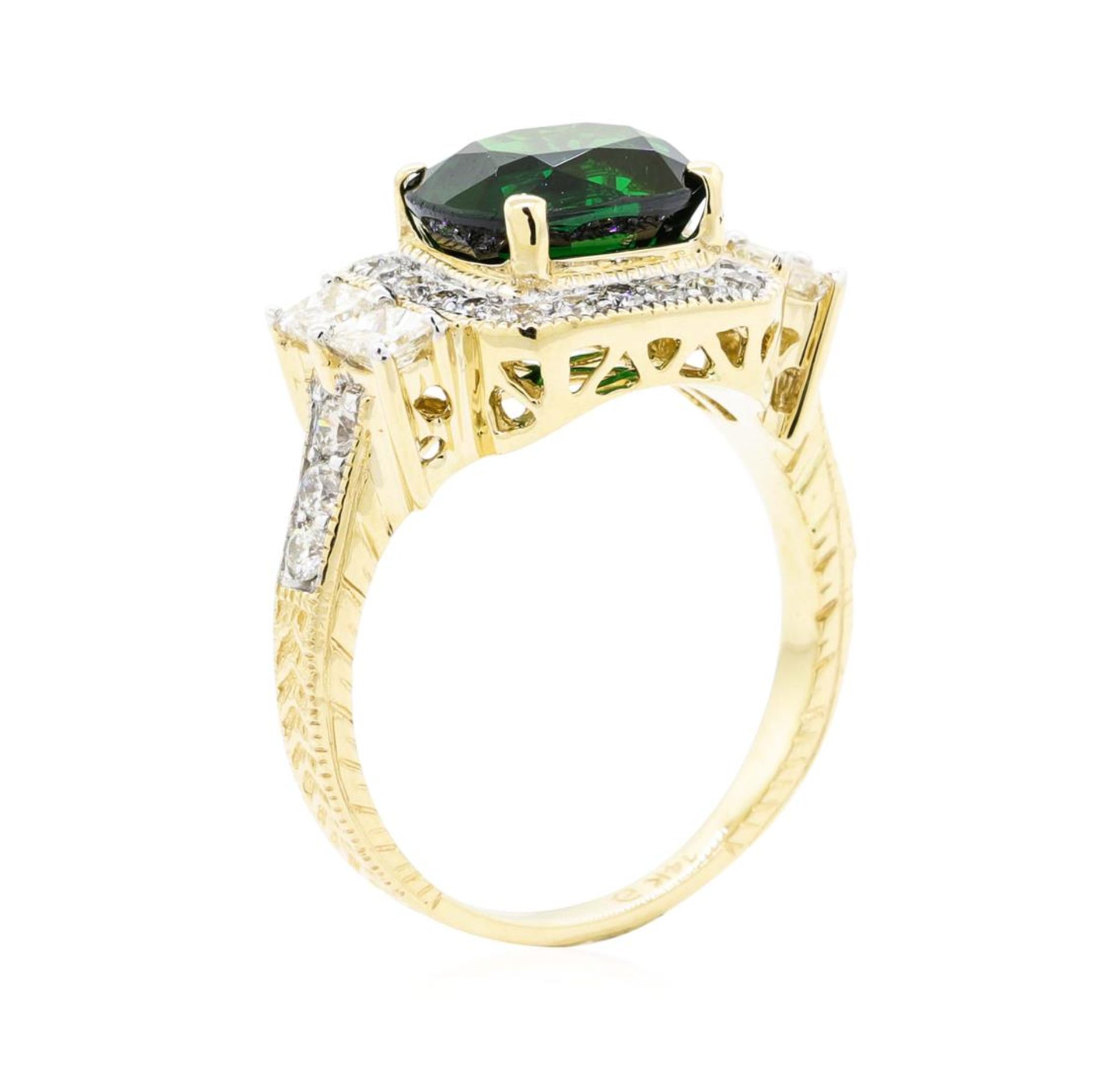 4.44 ctw Rectangular Cushion Mixed Tsavorite Garnet And Princess Cut Diamond Rin - Image 4 of 5