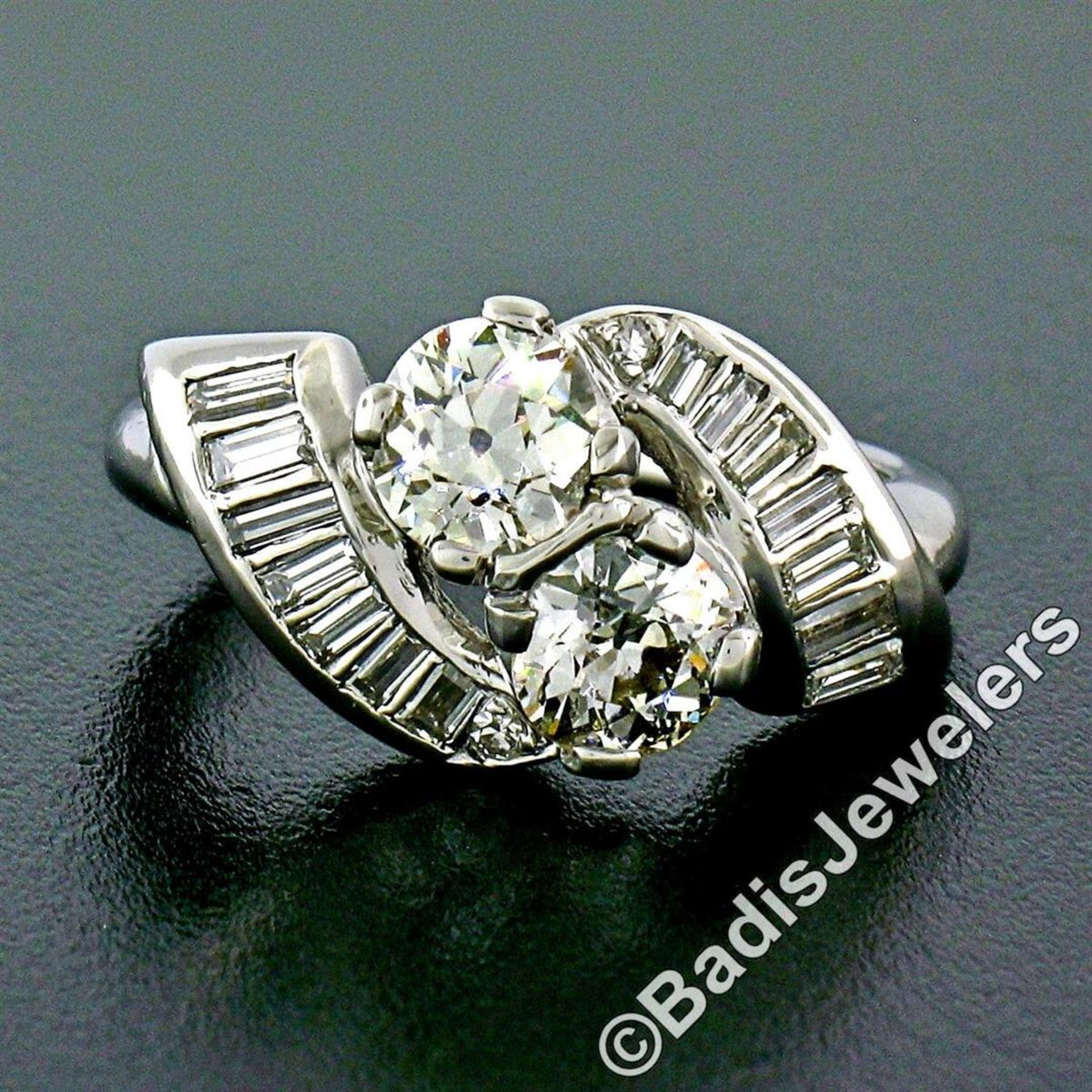 Art Deco Platinum 1.48 ctw Old European and Baguette Cut Diamond Bypass Ring - Image 4 of 9