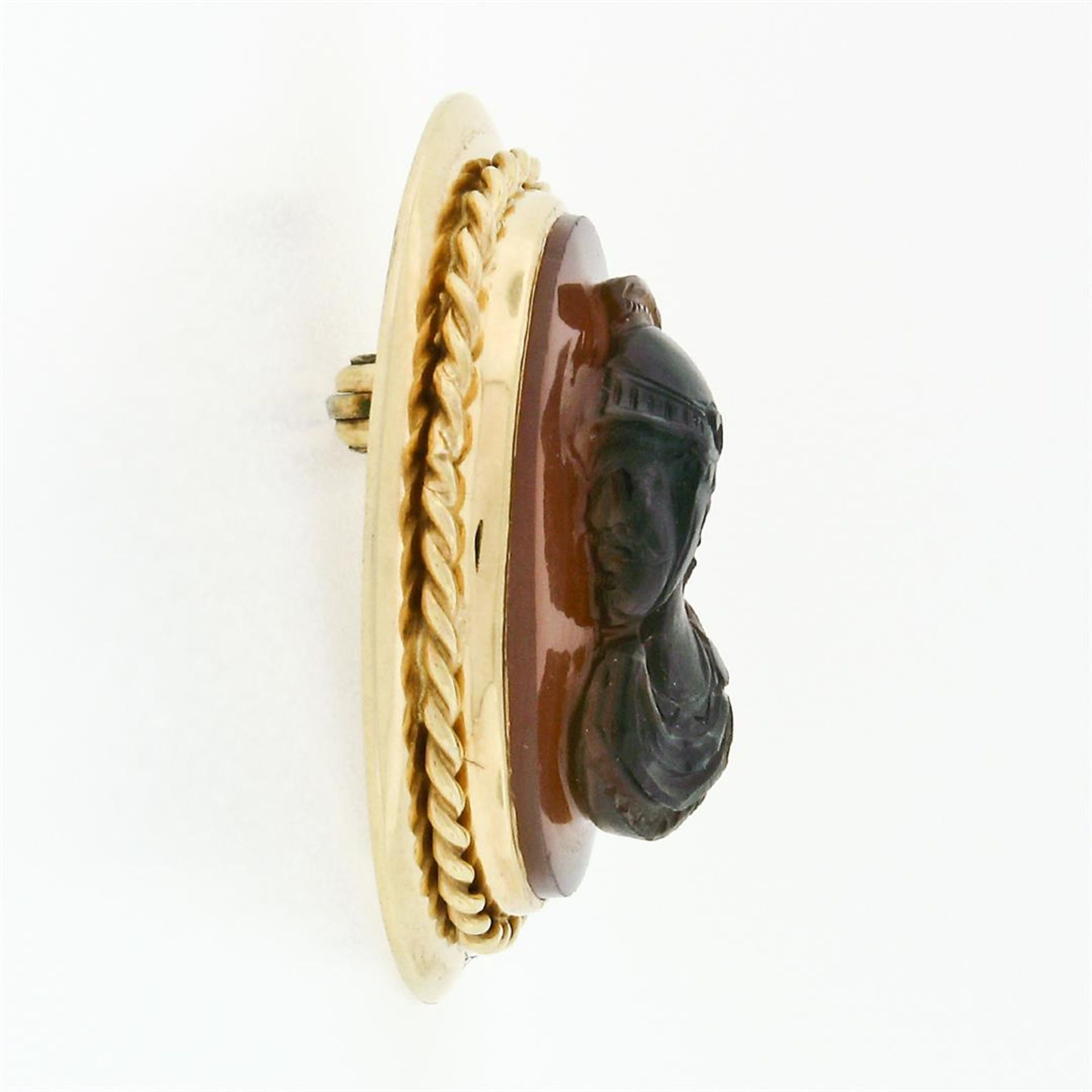 Vintage 14k Gold Carved Brown Agate Trojan Twisted Wire Frame Pin Brooch Pendant - Image 4 of 6
