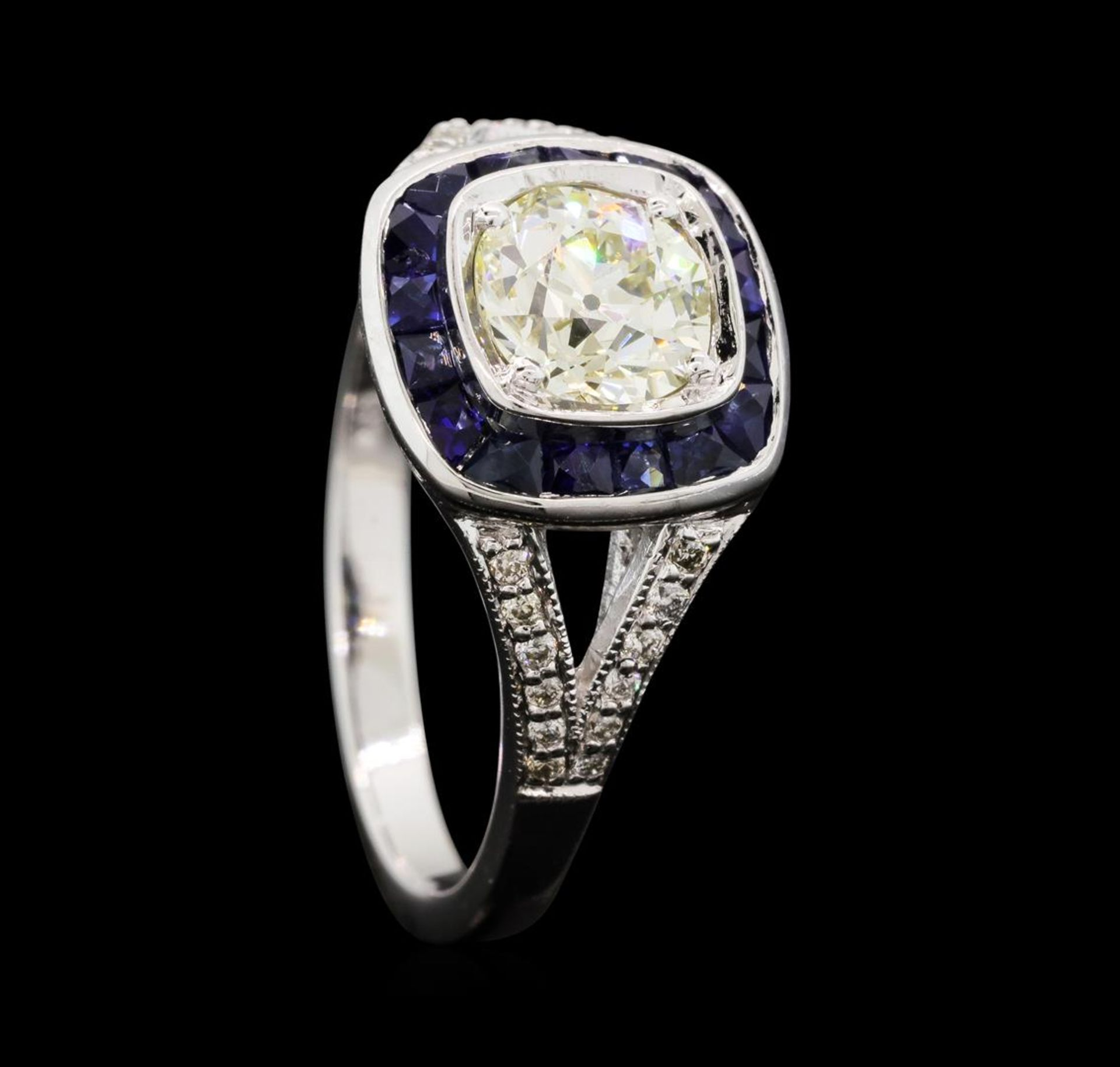 1.05 ctw Diamond And Sapphire Ring - 18KT White Gold - Image 4 of 5