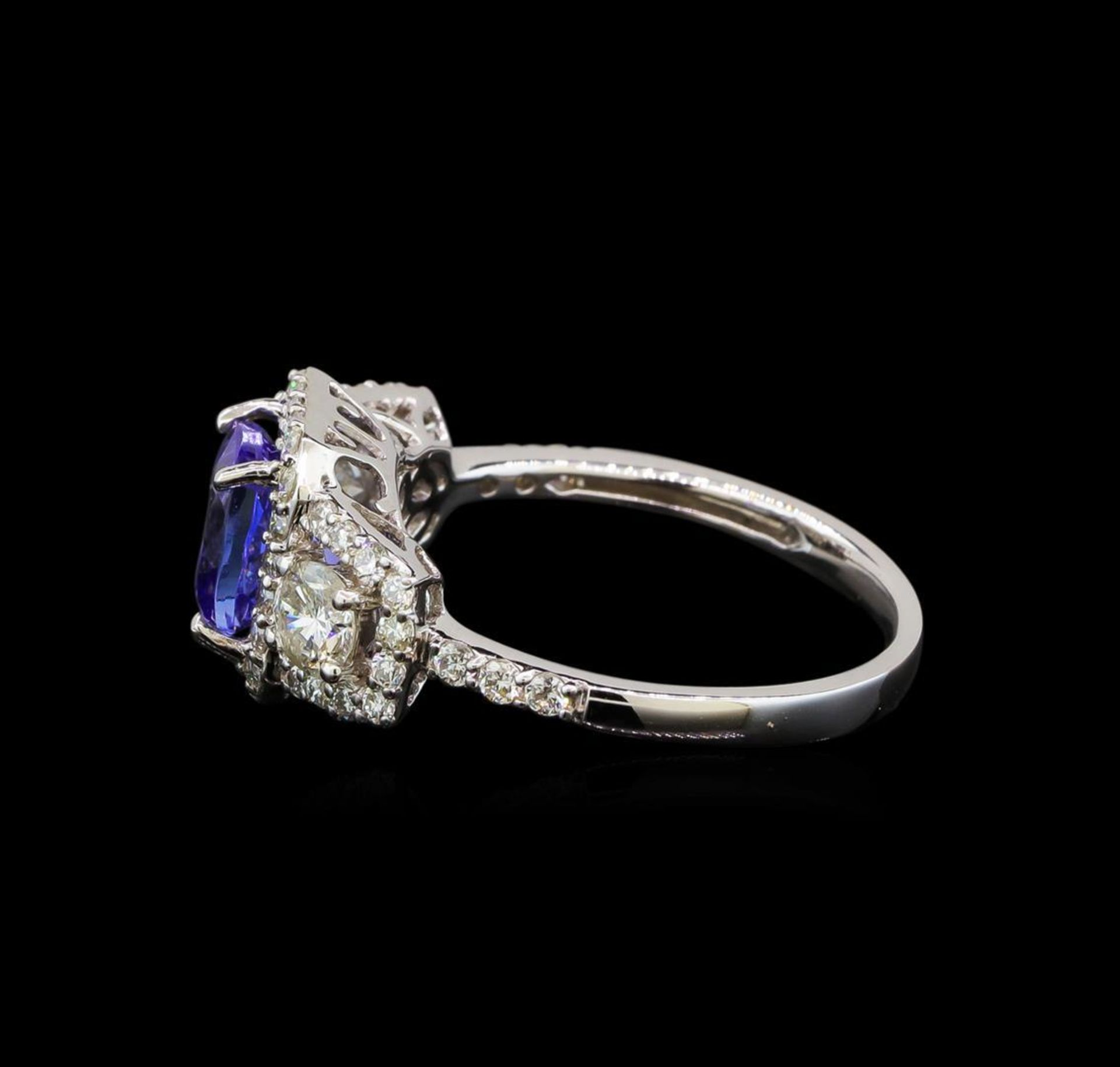 18KT White Gold 1.41 ctw Tanzanite and Diamond Ring - Image 3 of 5