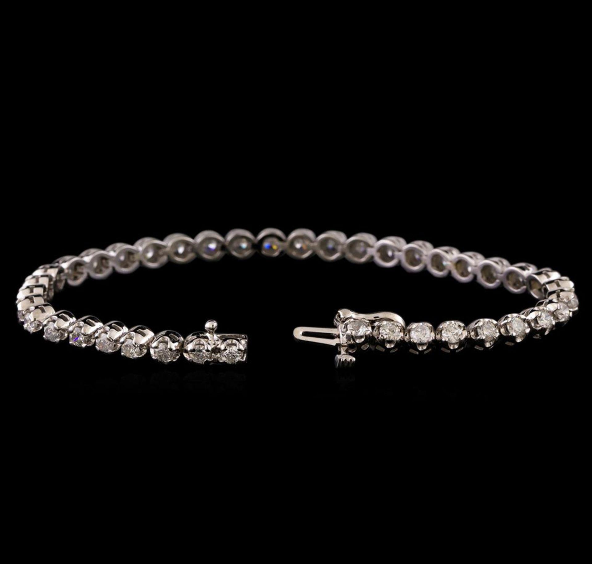 14KT White Gold 3.02 ctw Diamond Tennis Bracelet - Image 3 of 4