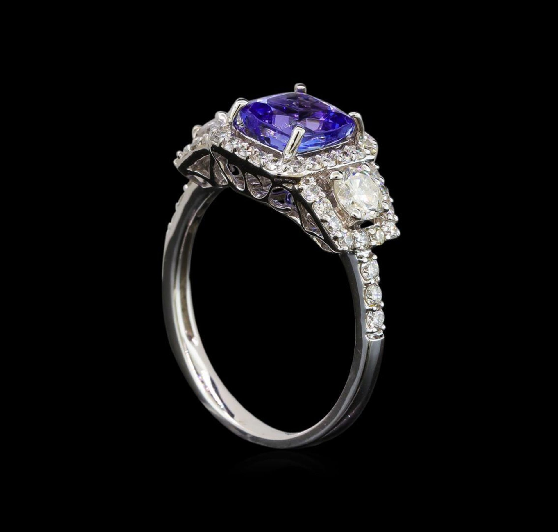 18KT White Gold 1.41 ctw Tanzanite and Diamond Ring - Image 4 of 5