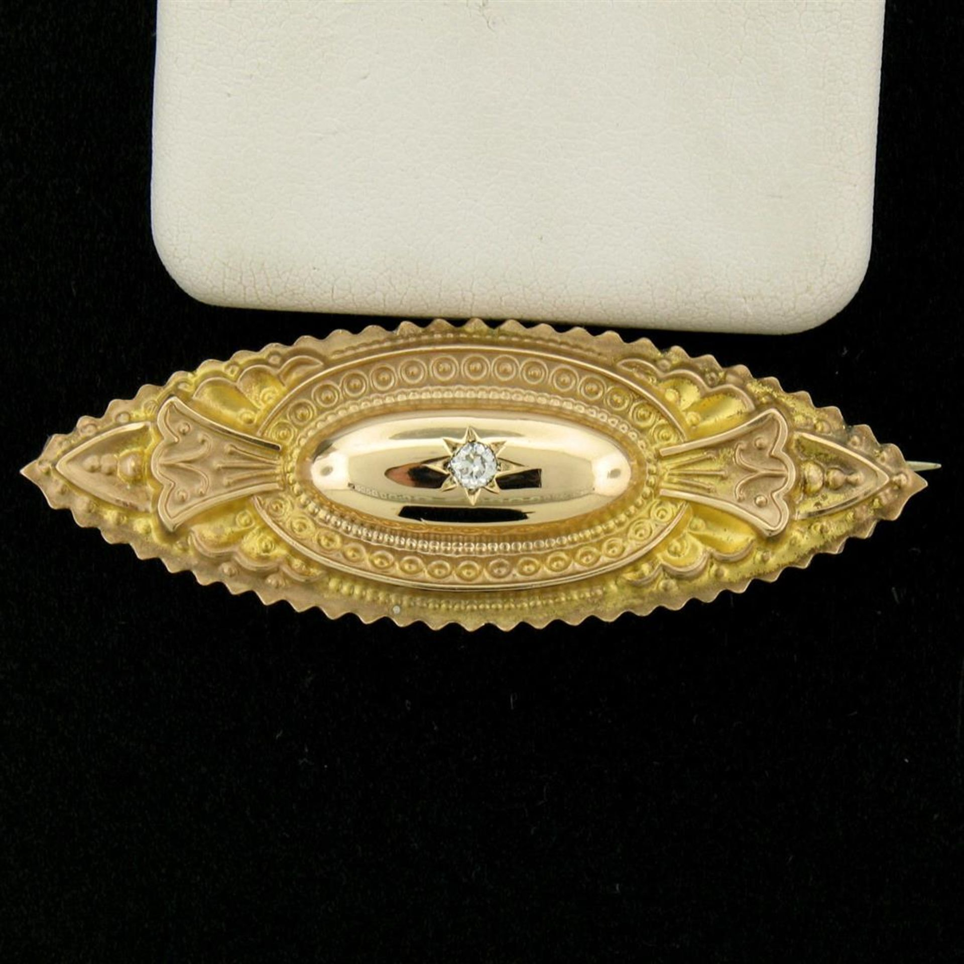 9k Yellow Gold .10 ctw Diamond Marquise Shaped Etched Brooch Pin - Image 4 of 9
