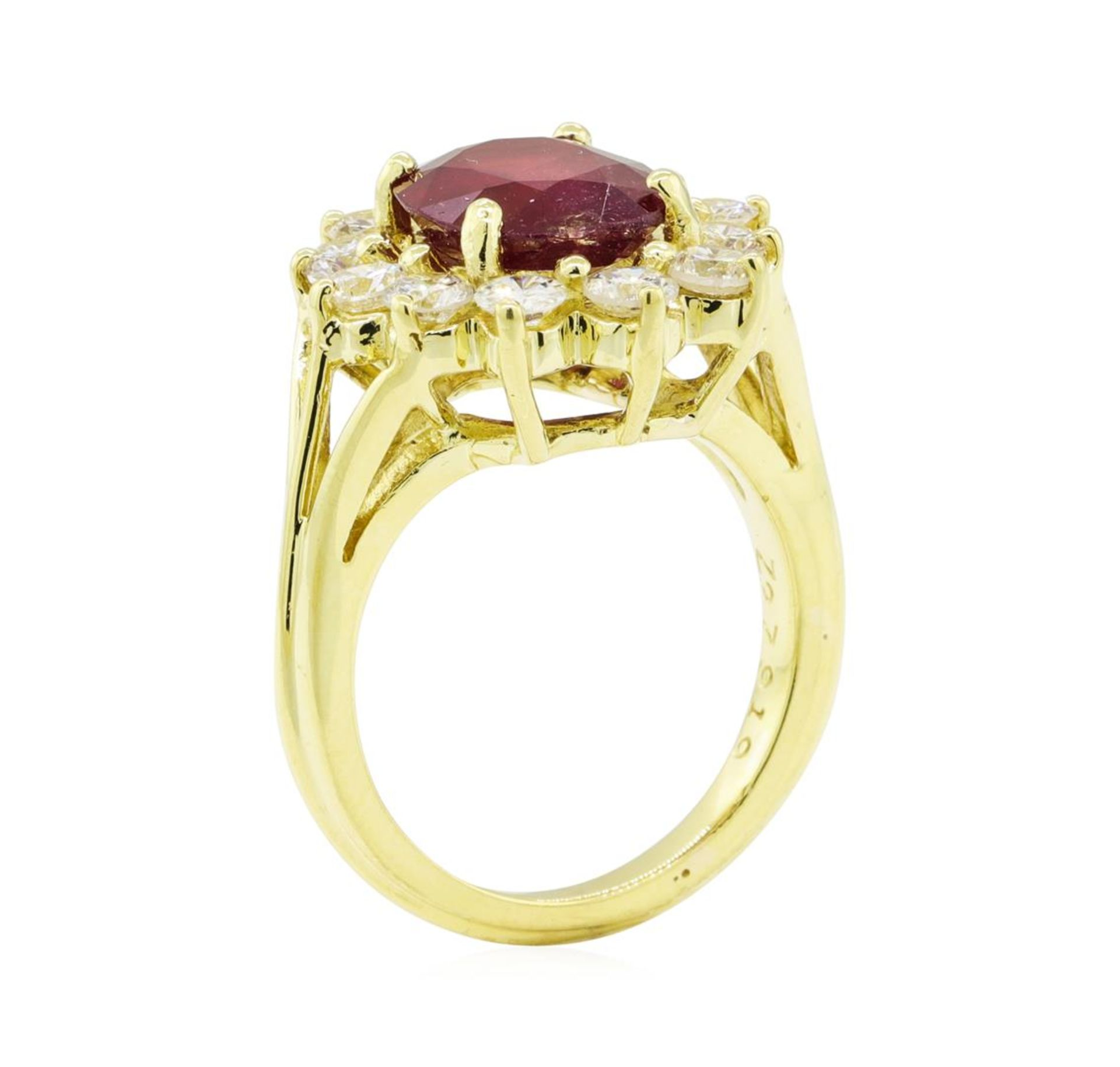 5.51 ctw Ruby and Diamond Ring - 18KT Yellow Gold - Image 4 of 5