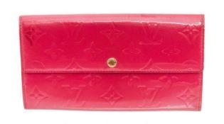 Louis Vuitton Pink Patent Leather 6 Card Sarah Wallet
