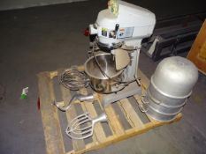 Globe Food Equipment SP20 20 Quart Planetary Mixer