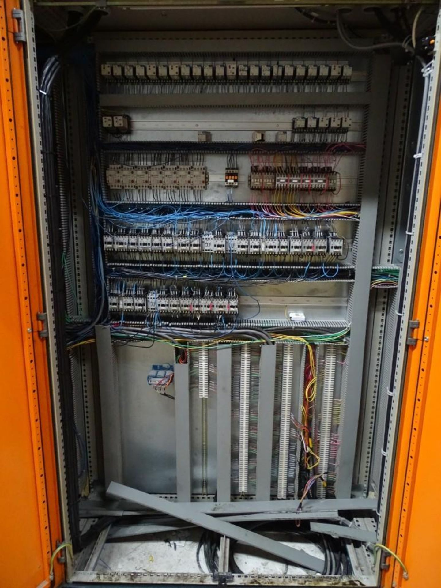 Large Control Panel with Contents - Image 3 of 5