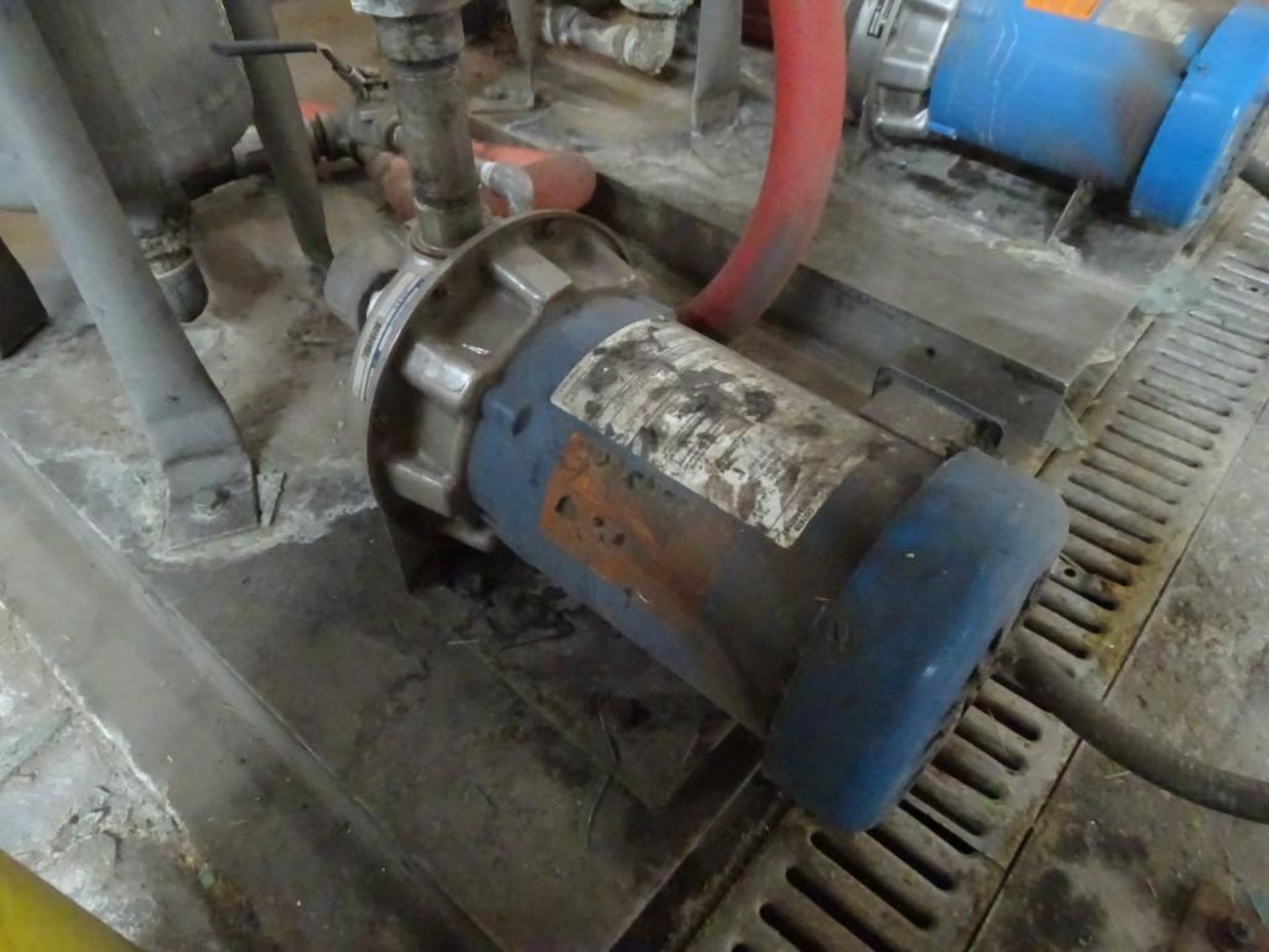 1.5 HP Centrifugal Pump with Filter Housing - Image 2 of 5