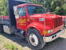 2001 International 40S Flatbed Truck Vin# 1HTSCAAL91H397521 (Not Running nor Roadworthy)