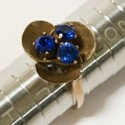 70'S GOLD RING WITH THREE BLUE STONES