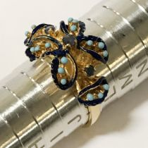 18CT GOLD & TURQUOISE RING - RING SIZE 'J'
