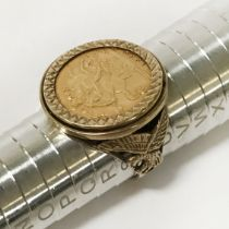HALF SOVEREIGN RING IN 9CT GOLD MOUNT - DATED 1882 - RING SIZE 'R'