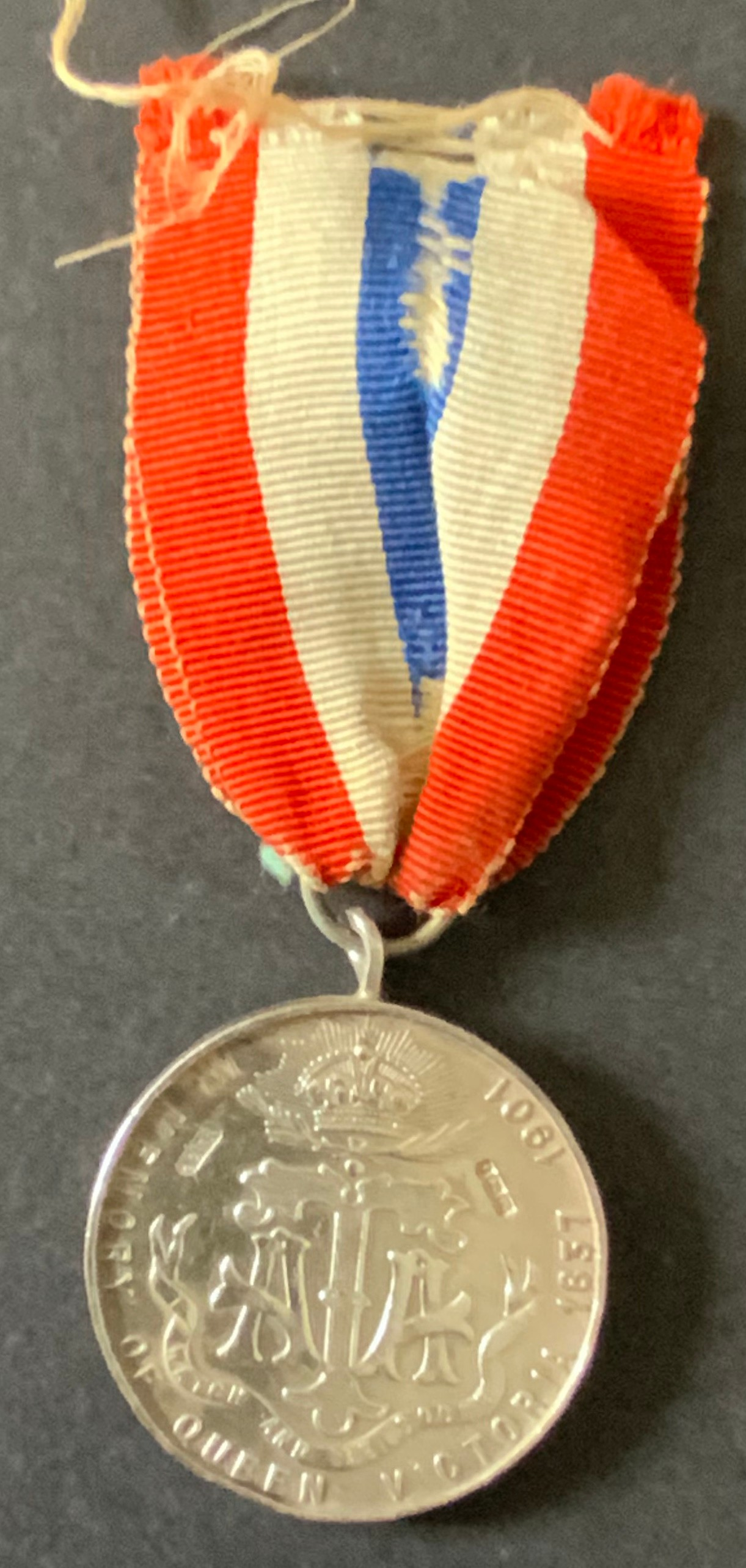 HALLMARKED SILVER MEDAL OF QUEEN VICTORIA EMPRESS OF INDIA (1837-1901) - Image 2 of 2