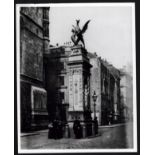 PRESS PHOTOGRAPH TEMPLE BAR MEMORIAL DRAGON FOR THE GUILDHALL LIBRARY