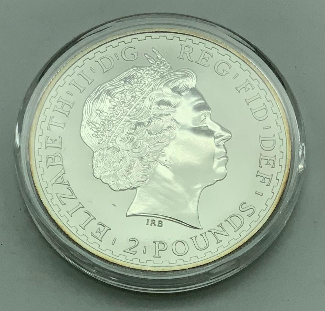 2004 BRITANNIA TWO POUNDS ONE-OUNCE SILVER COIN