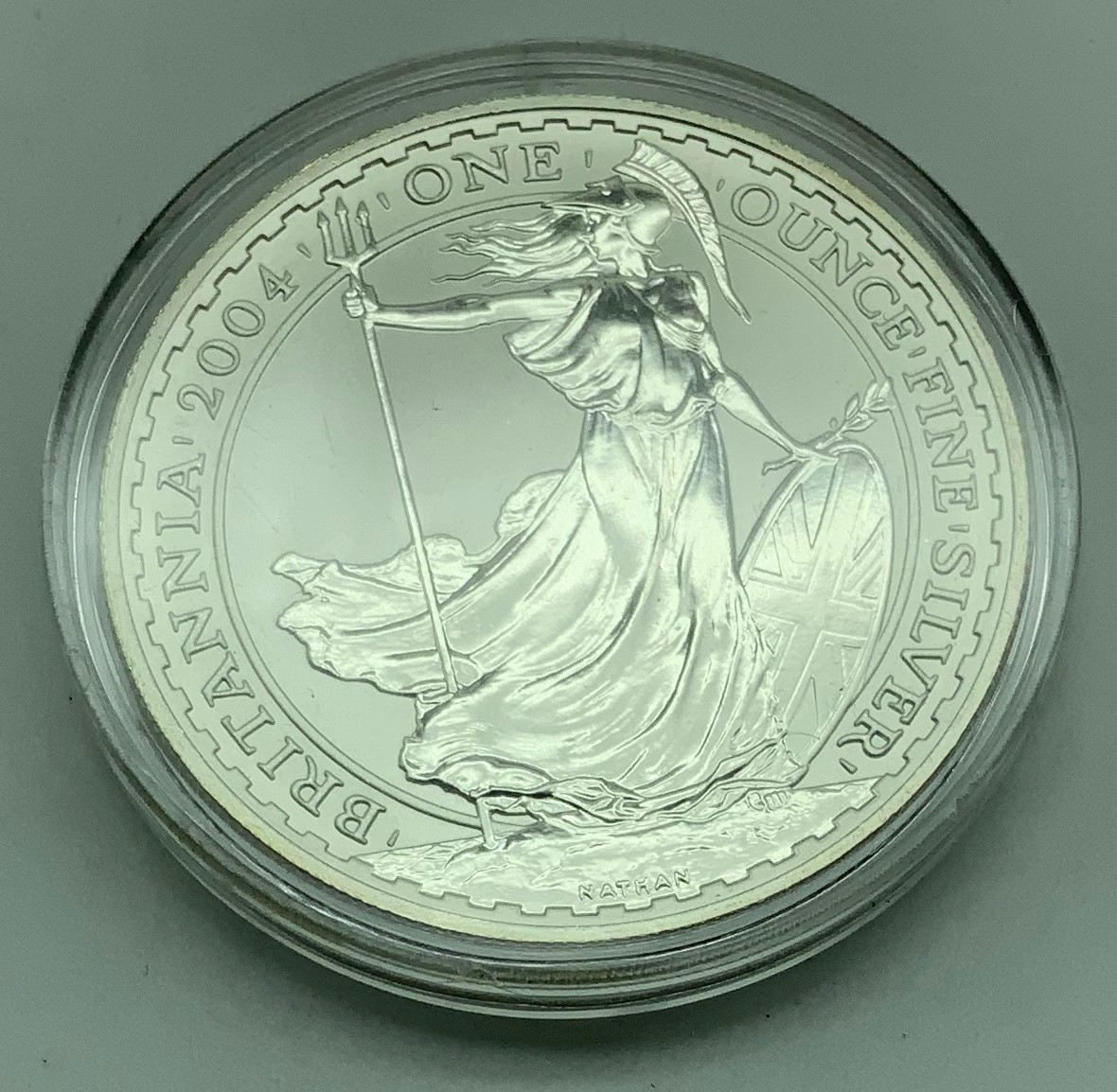 2004 BRITANNIA TWO POUNDS ONE-OUNCE SILVER COIN - Image 2 of 2
