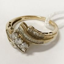 9CT GOLD DIAMOND RING SIZE M