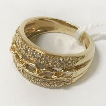 18CT GOLD BEJEWELED RING - SIZE M