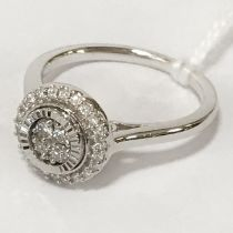 WHITE GOLD & DIAMOND CLUSTER RING - APPROX 0.50CT DIAMONDS - RING SIZE N