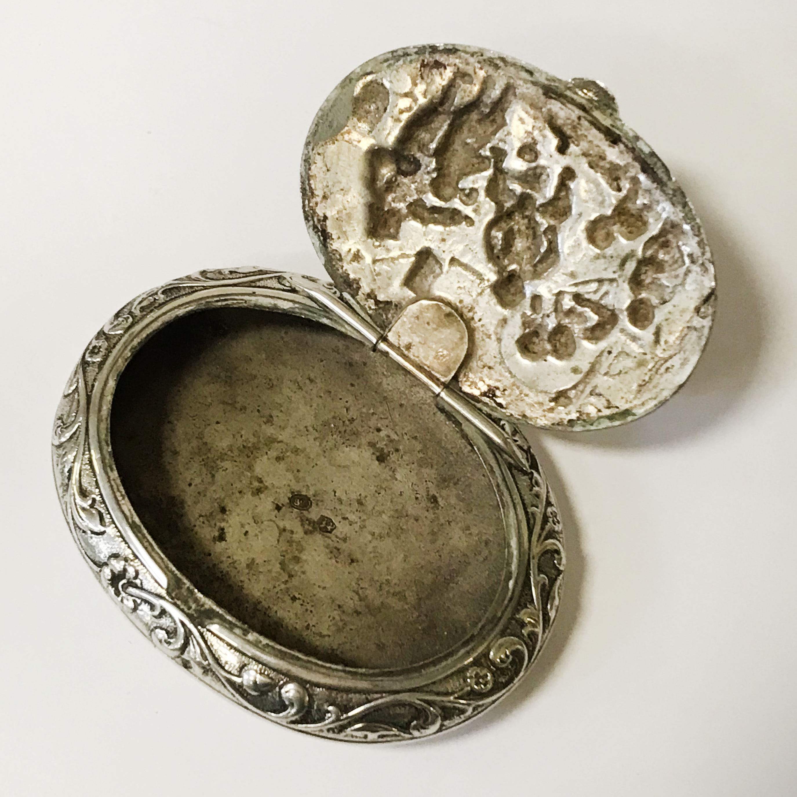 HM SILVER PILL BOX - 8CMS - Image 3 of 4