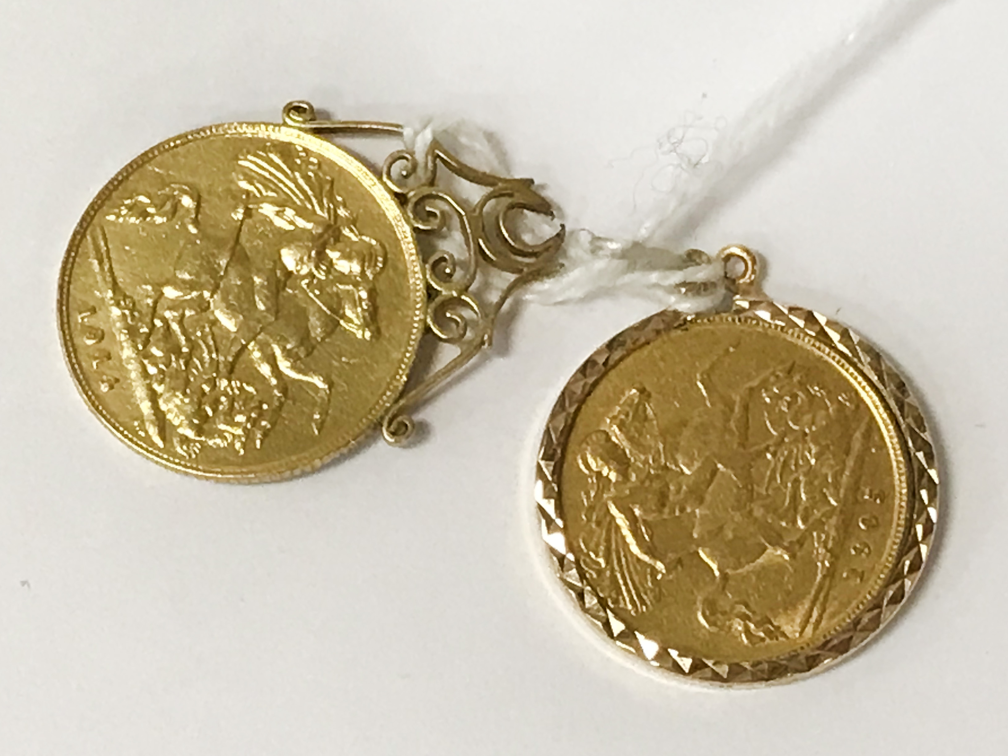 TWO HALF SOVEREIGNS - 1905 & 1914 - 1 IS LOOSE MOUNTED - Image 2 of 2