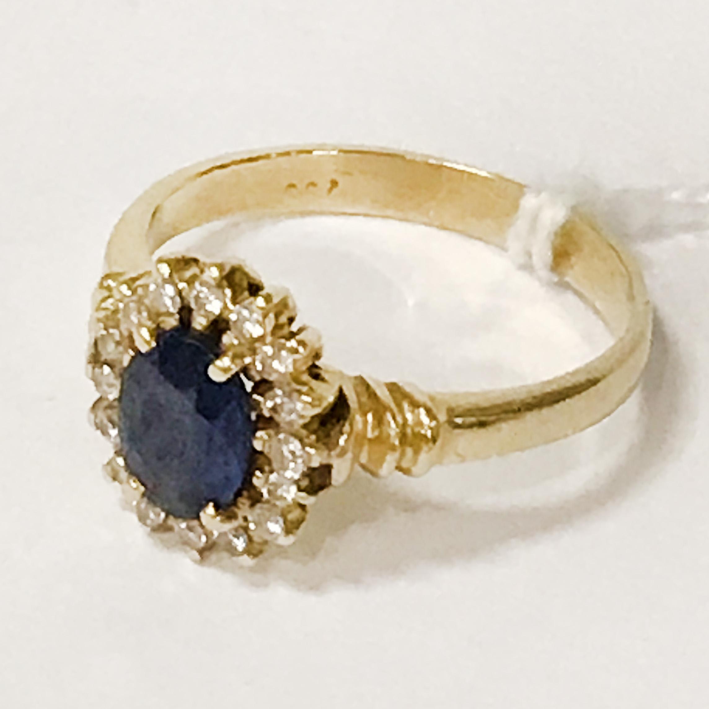 18CT YELLOW GOLD SAPPHIRE & DIAMOND RING - SIZE N