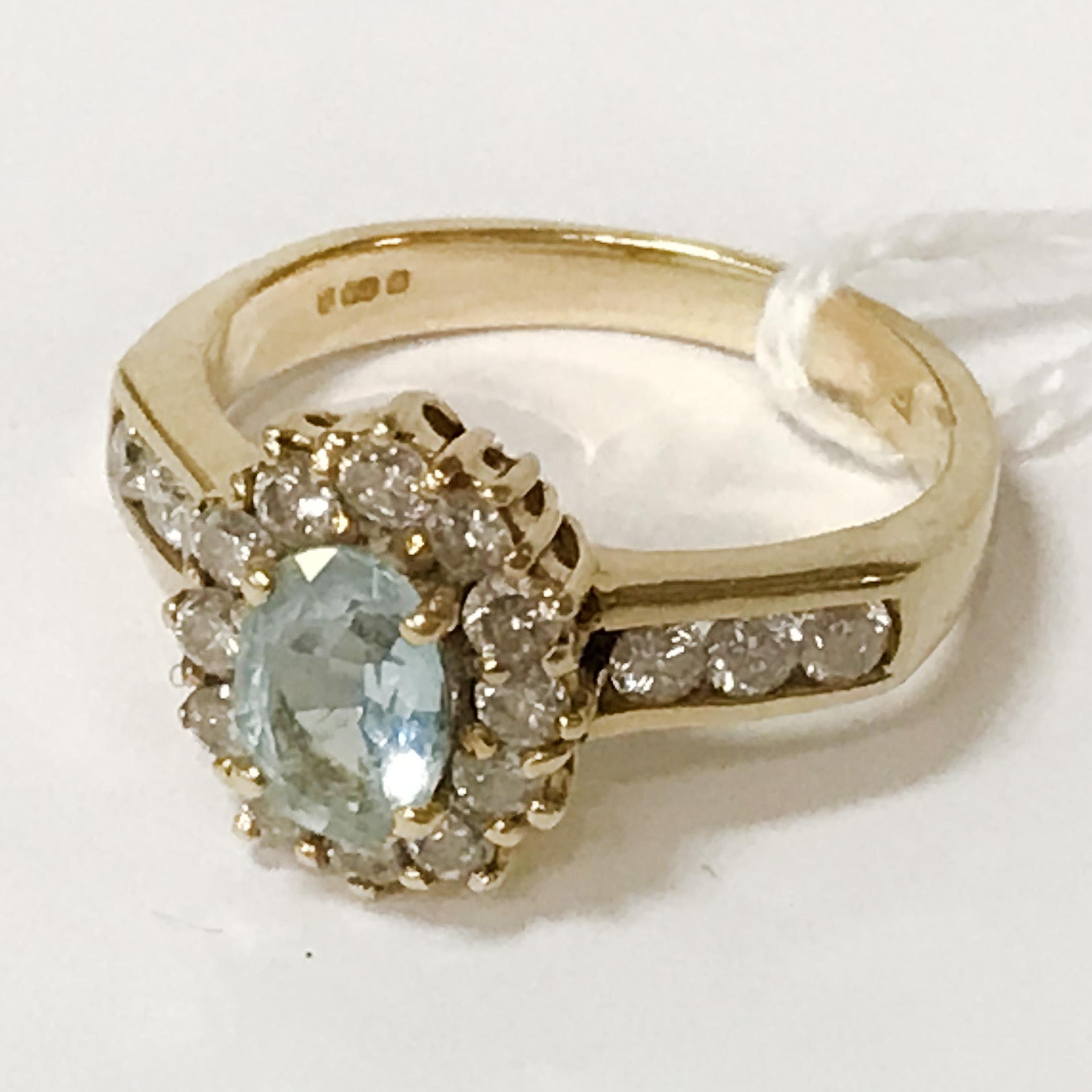 18CT YELLOW GOLD AQUAMARINE& DIAMOND RING - SIZE M