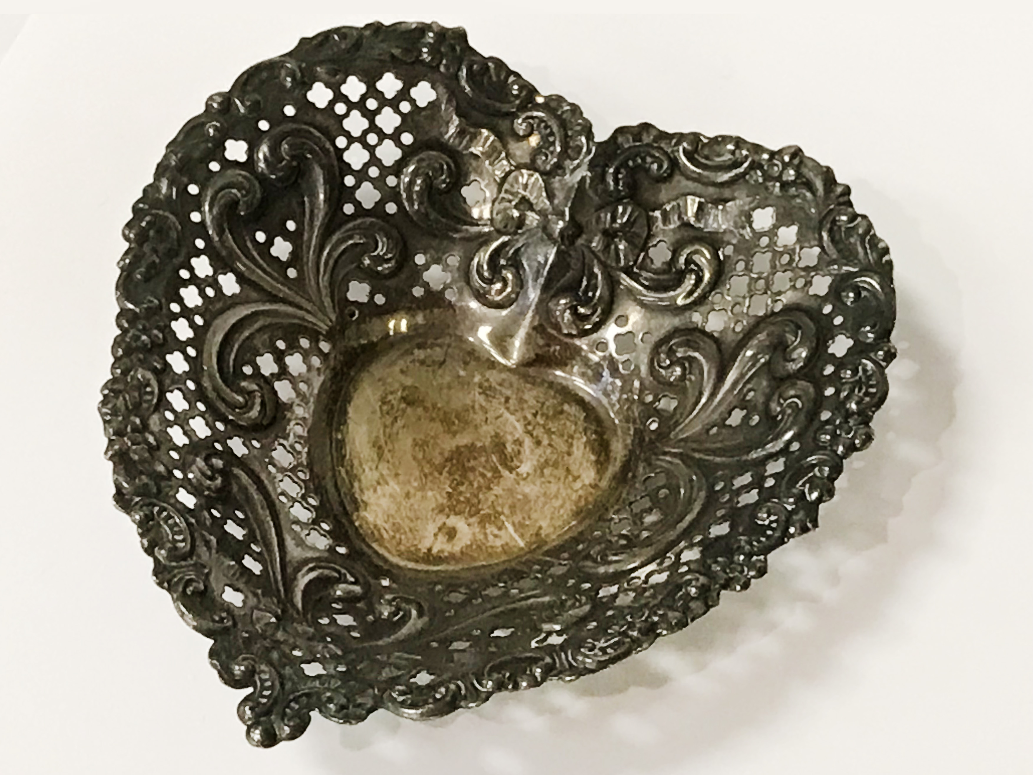 GORHAM STERLING SILVER HEART DISH - 13CMS - Image 2 of 4