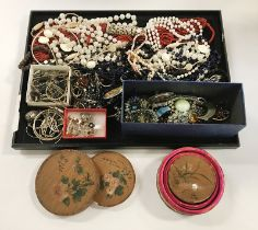 COLLECTION OF COSTUME JEWELLERY - SOME SILVER ETC