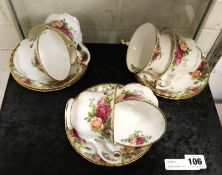 ROYAL ALBERT OLD COUNTRY ROSES 6 TEA CUPS & SAUCERS