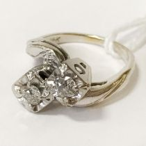 18CT GOLD TWO STONE DIAMOND RING - SIZE J