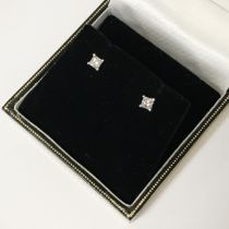 18CT WHITE GOLD DIAMOND STUD EARRINGS - APPROX 0.50CTS TOTAL