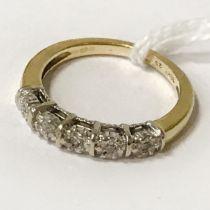 18CT YELLOW GOLD & DIAMOND RING - SIZE M