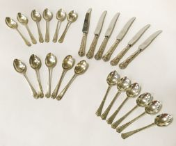COLLECTION OF SILVER SPOONS & KNIVES (+200 G - SILVER SPOONS)