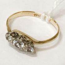 18 CT. GOLD THREE STONE DIAMOND RING - SIZE J
